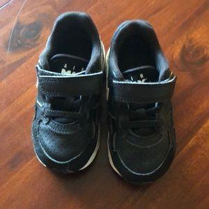 Nike toddler shoes black size 7